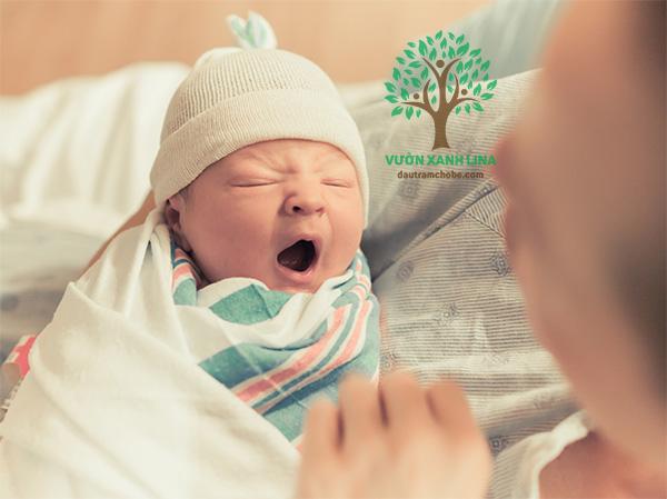 trẻ sơ sinh bị ho vào mùa đông